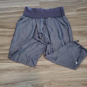 Lululemon High-Waisted Capri Yoga Pants